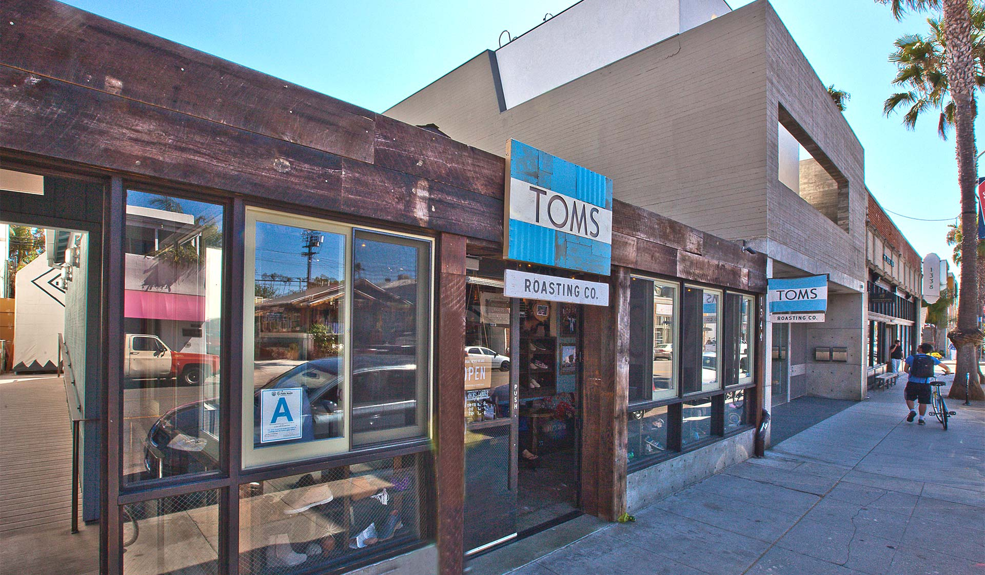 Lincoln Place - Venice, CA - Tom's